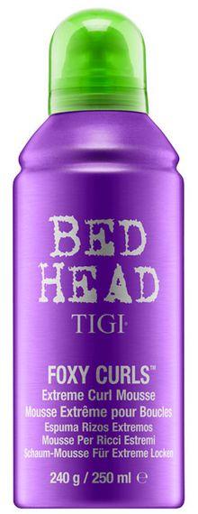 TIGI Bed Head Foxy Curls Extreme Curl Mousse - aktivační pěna na podporu vln 250 ml